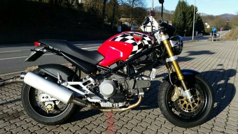 Ducati Monster 900 Corse-Look